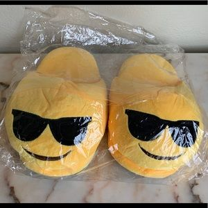 Shoes - Plush Emoji Slippers